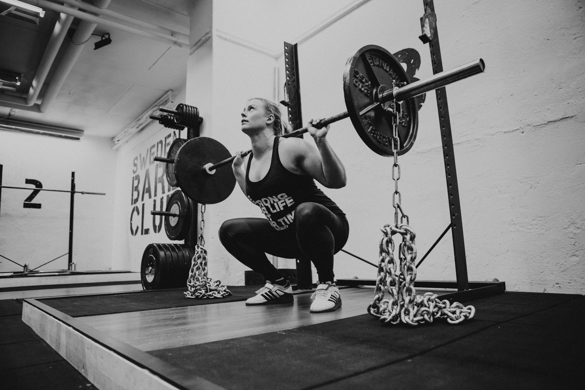 @mandalaya // Emelie Rapp tränar inför EM i Strong Woman på Sweden Barbellclub